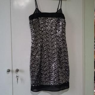 خرید | لباس مجلسی | زنانه,فروش | لباس مجلسی | شیک,خرید | لباس مجلسی | مشکی با پولک های نقره ای | Yessica (C&A) - آلمان,آگهی | لباس مجلسی | 34,خرید اینترنتی | لباس مجلسی | جدید | با قیمت مناسب